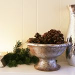 holiday-decoraged-mantel-1